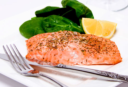 istock_photo_of_salmon_with_spinach_and_lemon
